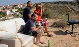 To nie jest kino pod chmurką. Żydzi upajają się widokiem bombardowania palestyńskich domostw