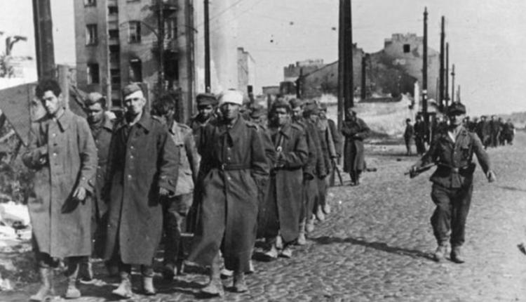 """""""berlingowcy"""" wzięci do niewoli przez Niemców/ fot. arch."""