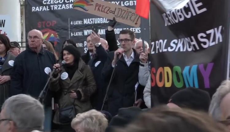 warszawski protest rodziców przeciw deklaracji LGBT/ fot. screen