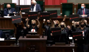 posłanki Lewicy awanturują się w Sejmie/ fot. Twitter