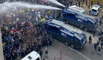 protest w Berlinie przeciw ustawie covidowej/ fot. Twitter/Zwischen den Zeilen