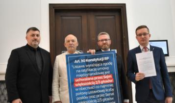 Artur Dziambor, Janusz Korwin-Mikke, Grzegorz Braun, Robert Winnicki/ fot. Twitter